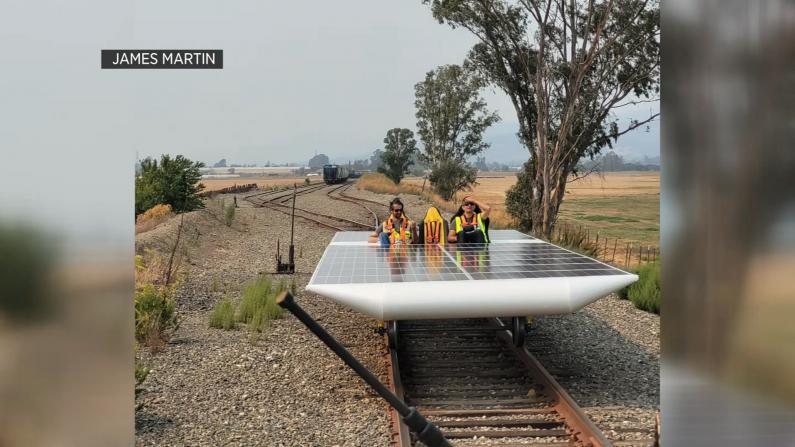 创纪录!世界首个太阳能火车模型加州试运成功