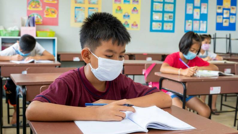 12以下未打疫苗上学安全吗?孩子需定期检测吗?儿科医生解答家长关心问题