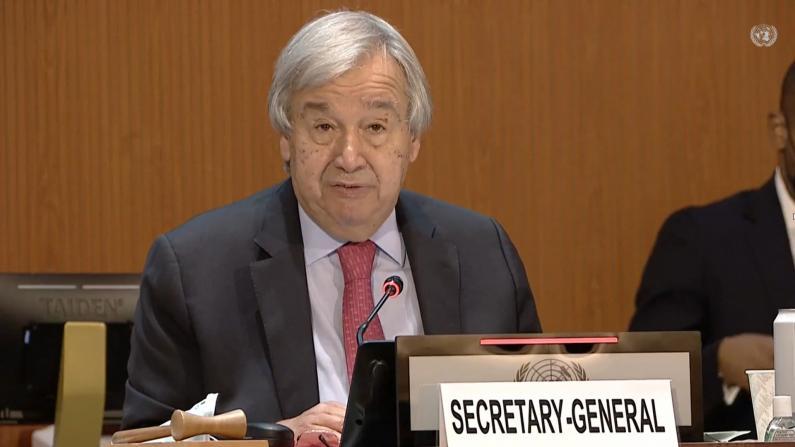 """""""阿富汗正面临国家奔溃""""联合国秘书长呼吁国际社会援助"""