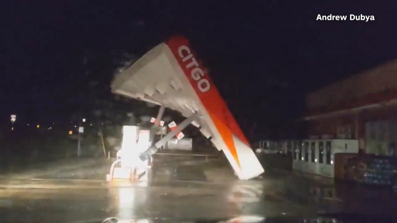 吹翻加油站 尼古拉斯登陆得州 将给南部地区带来持续暴雨