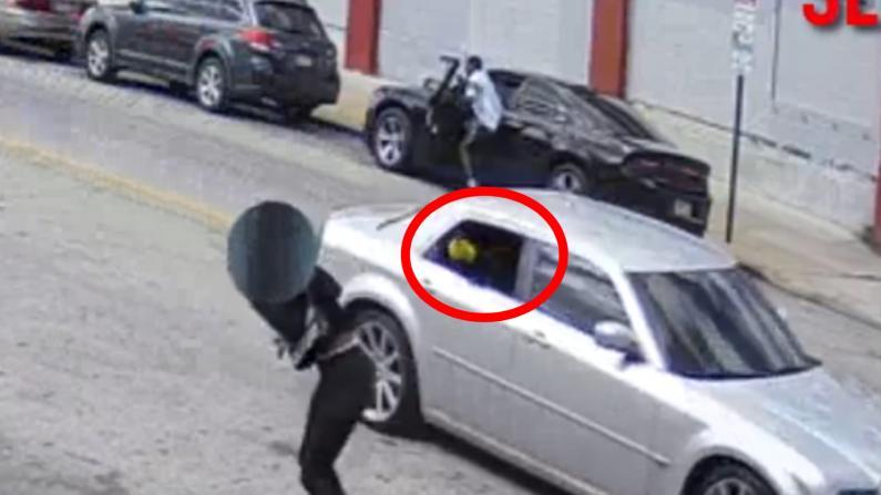 恐怖!费城枪手街边连开24枪致1死5伤 警方悬赏$2万缉凶