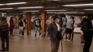 不戴口罩罚款50!纽约MTA新规 民众:很有必要