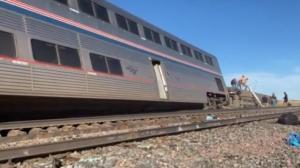 美铁列车蒙大拿脱轨致多人死伤 乘客:惊呆了