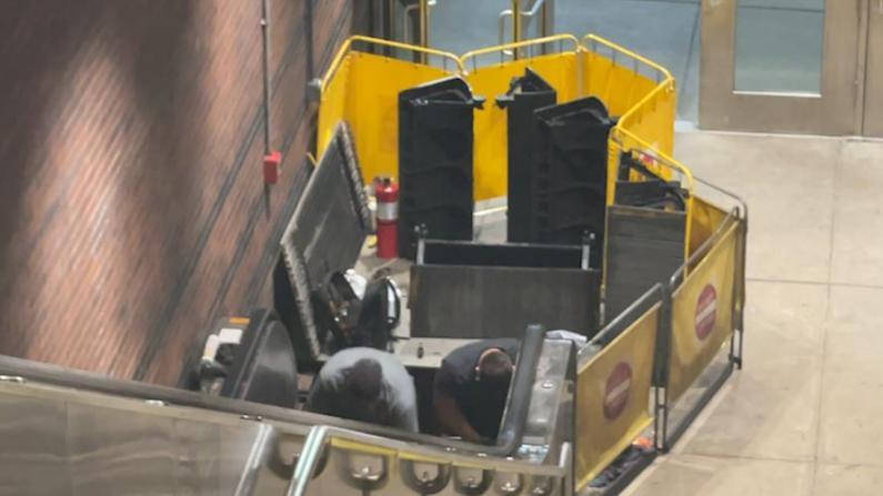 波士顿车站扶梯故障至9人受伤 目击者:自动扶梯突变滑梯
