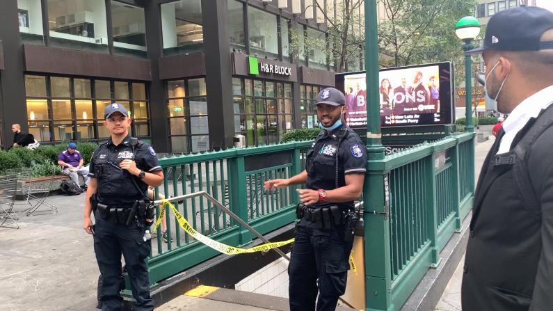 纽约时报广场再爆枪击 地铁站乘客被推 民众:这座城市需要帮助!