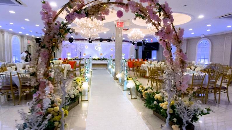 """纽约婚庆业复苏或迎""""爆发"""" 酒楼生意回升慢 业者寻找婚宴新模式"""