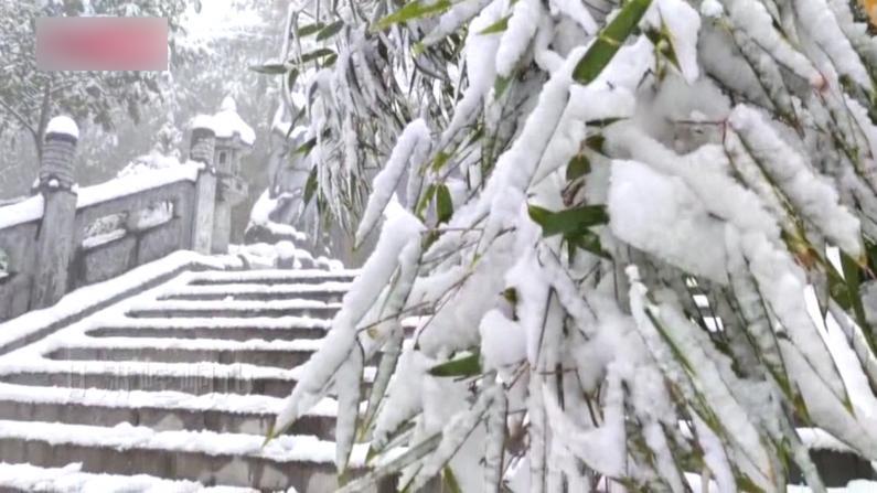 中国北方多地迎来降雪 大地银装素裹
