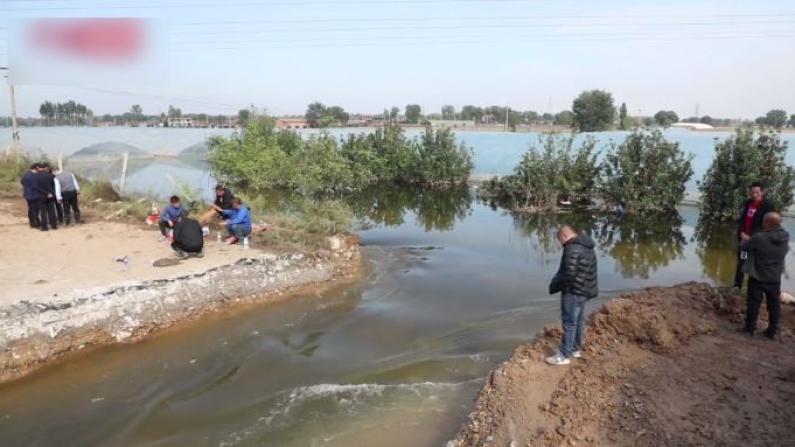 洪水致山西村庄道路中断 泄洪口开凿成功排水加速