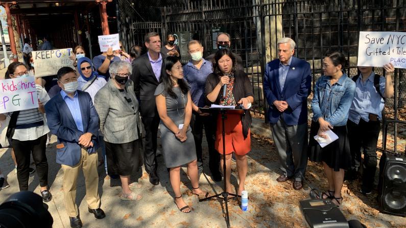 纽约各级民选官员反对取消天才班:这是最简单却最不负责的方式