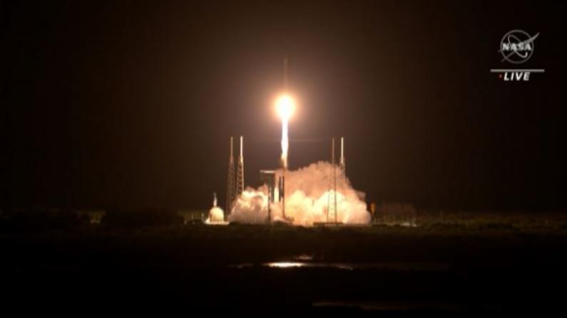 "NASA发射""露西""号探测器 首次探索木星小行星群"
