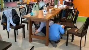 台湾宜兰发生6.3级地震 餐馆顾客急躲桌下