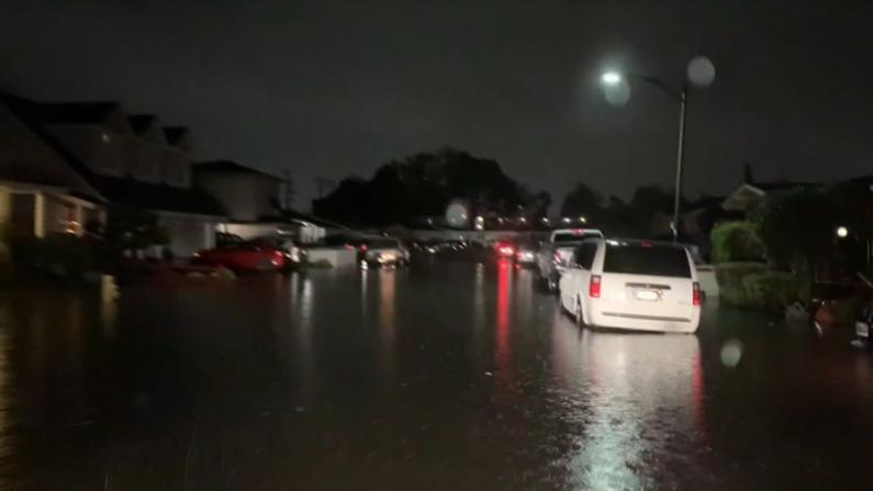 北加遭严重风暴袭击 金门大桥风声呼啸 多地淹水断电泥石流